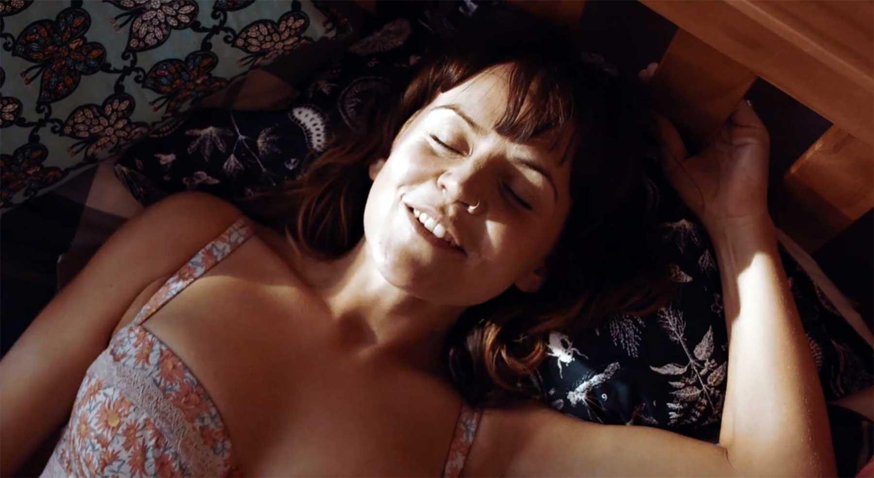 Wenn der Ehemann während des Seitensprunges heim kommt kurzfilm-love-is-blind