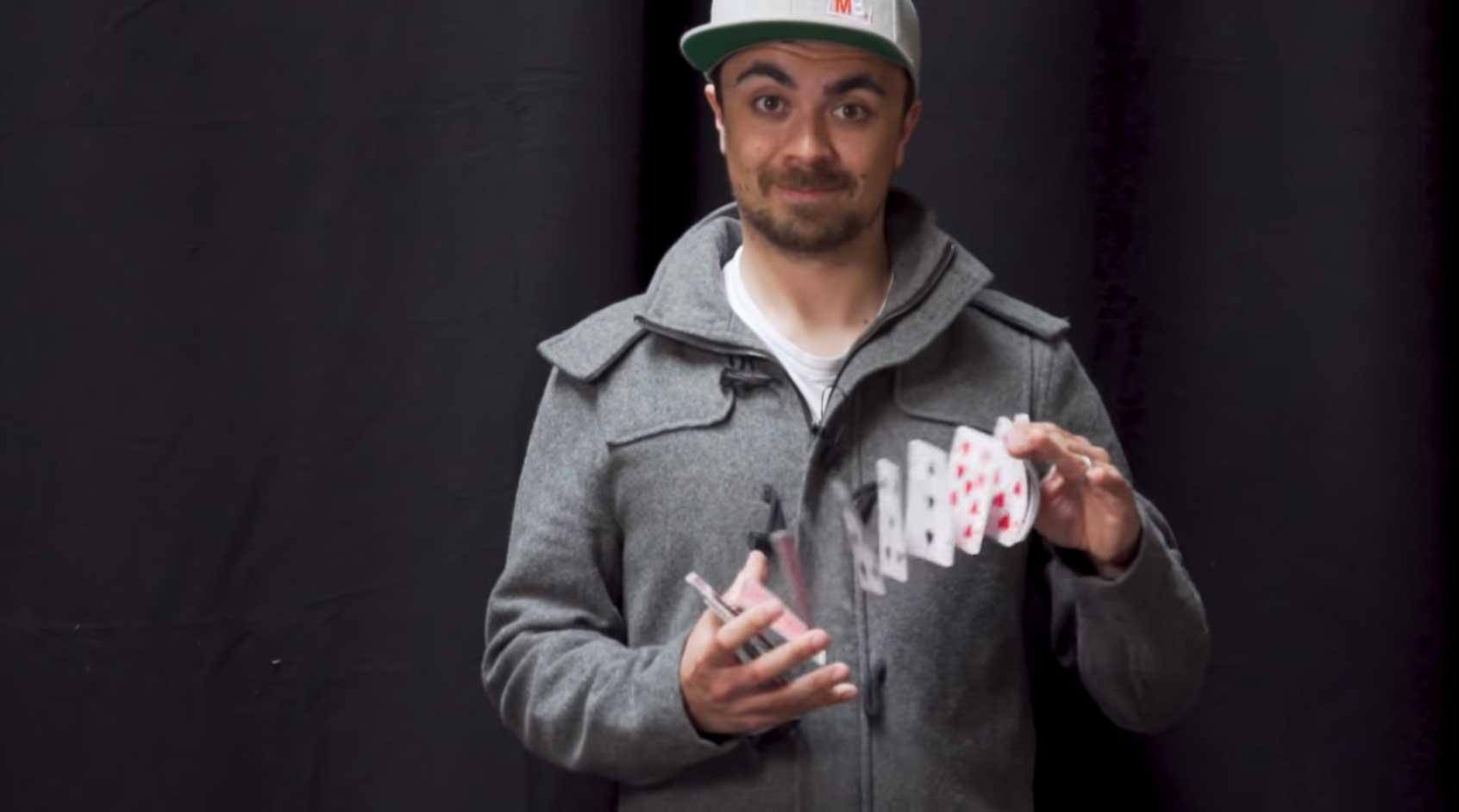 Mike Boyd lernt, Karten springen zu lassen
