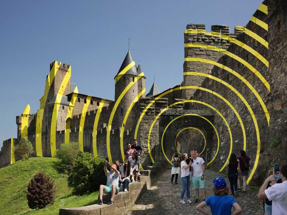 Carcassonne ist jetzt eine gelbe Zielscheibe Felice-Varini_Concentric-Concentric_02
