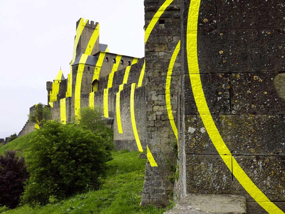 Carcassonne ist jetzt eine gelbe Zielscheibe Felice-Varini_Concentric-Concentric_04