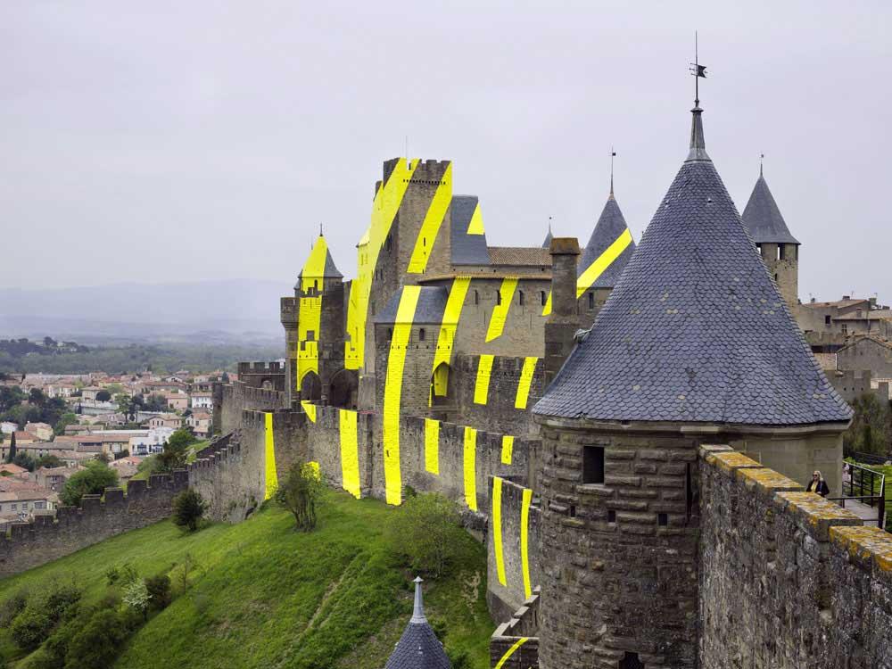 Carcassonne ist jetzt eine gelbe Zielscheibe Felice-Varini_Concentric-Concentric_06