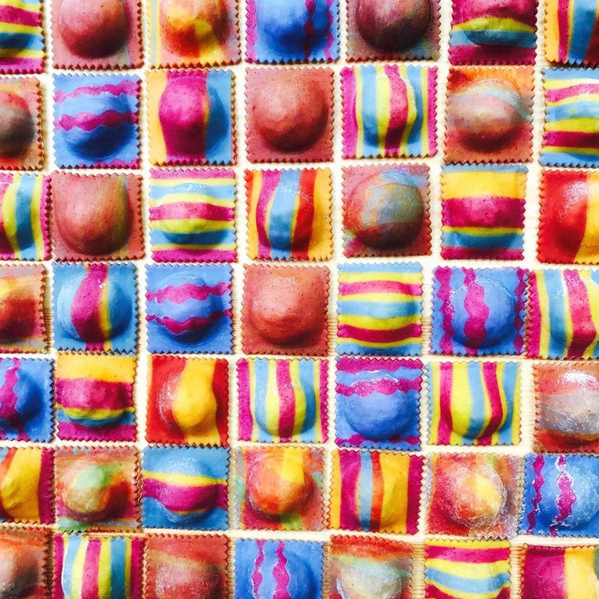 Farbenfrohe Pasta-Kunst von Linda Miller Nicholson Linda-Miller-Nicholson-Past-Pretty-Please_10