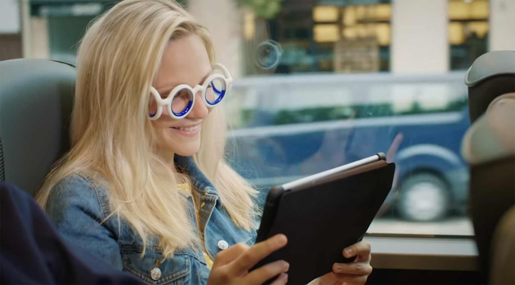 Brille gegen Reisekrankheit