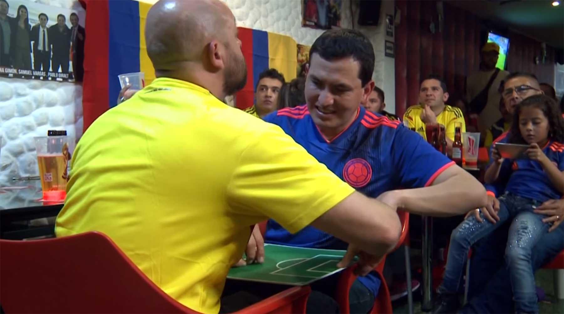 Wie ein blinder und tauber Fußball-Fan einen Kolumbien-Sieg erlebt