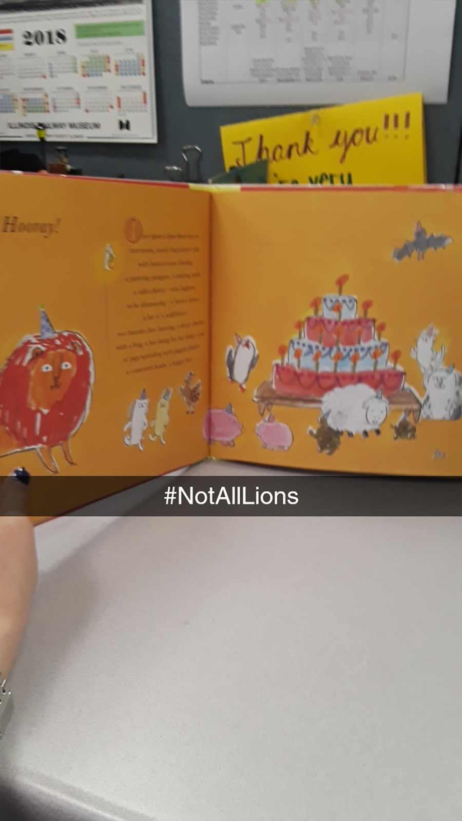 Erwachsene rezensiert Kinderbuch auf erfrischende Art A-Hungry-Lion-or-A-Dwindling-Assortment-of-Animals_14