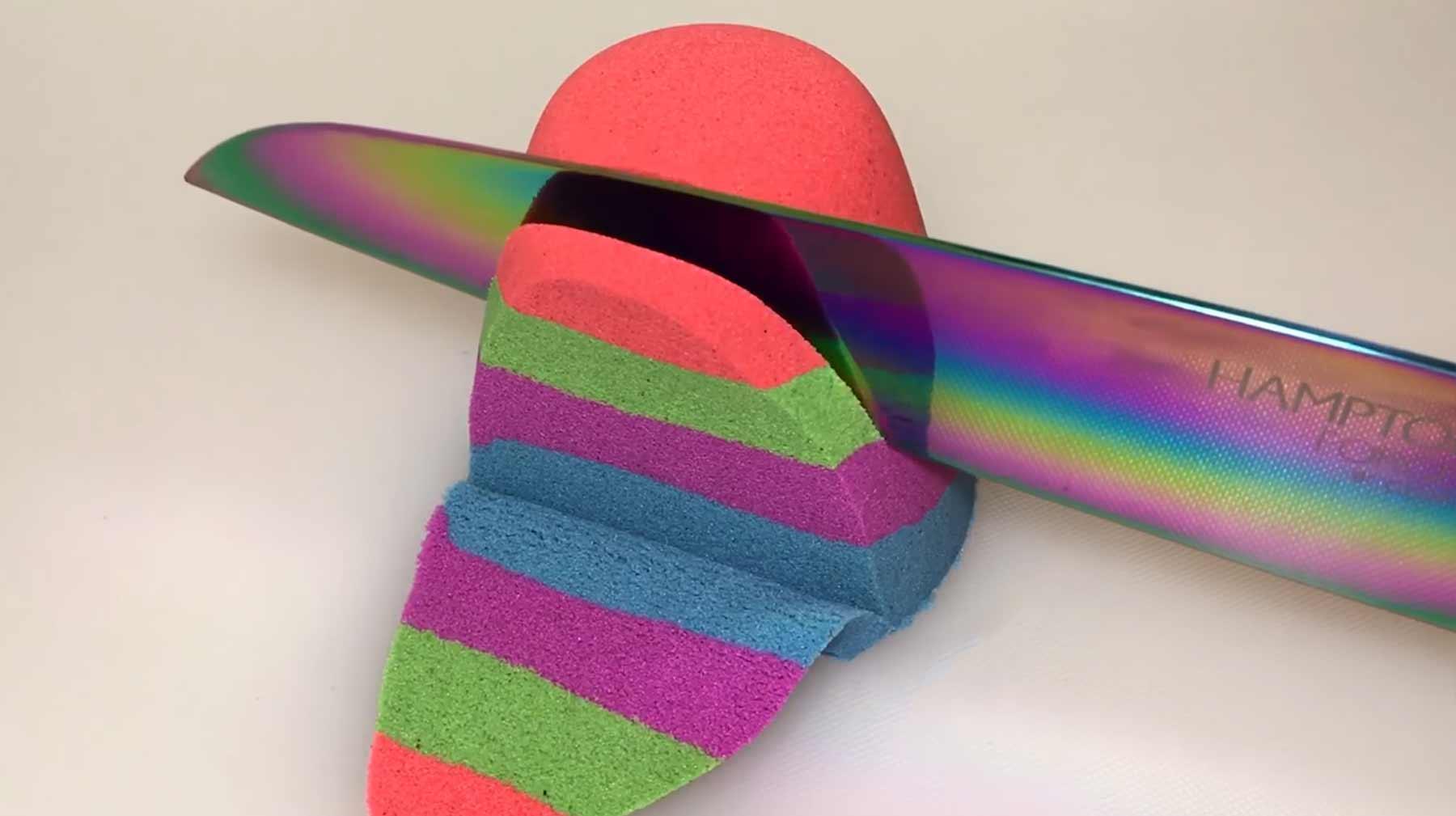ASMR: Kinetische Sandskulpturen schneiden ASMR-kinetischen-sand-schneiden-entspannend