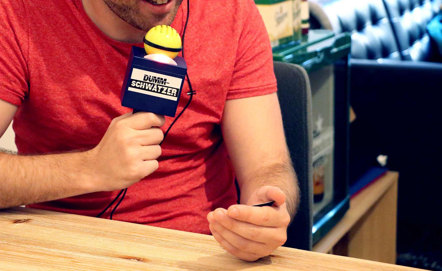 """""""Dummschwätzer"""" zerstört spielerisch dein Sprachzentrum Hasbro-Dummschwaetzer-Spiel-Test_05"""