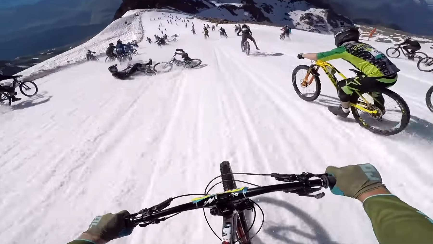POV: Krasse Mountainbike-Abfahrt vom Gipfel bis ins Tal The-Craziest-Megavalanche-Ever