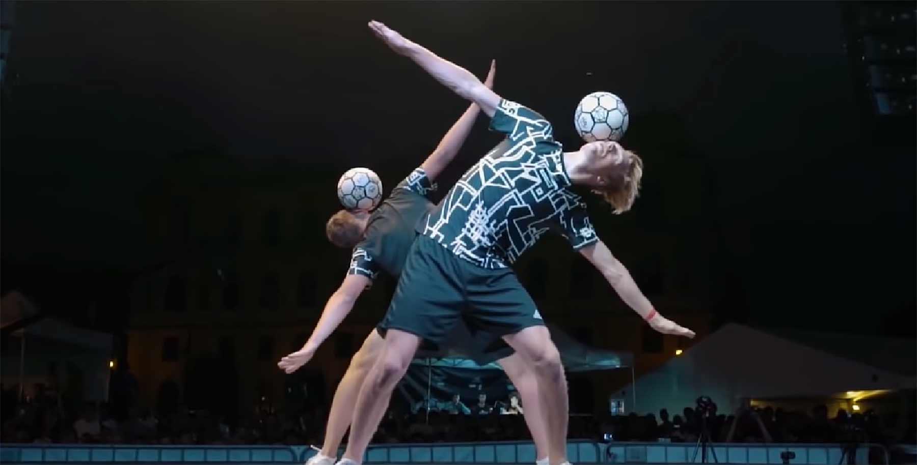 Fußball-Akrobatik: Superball