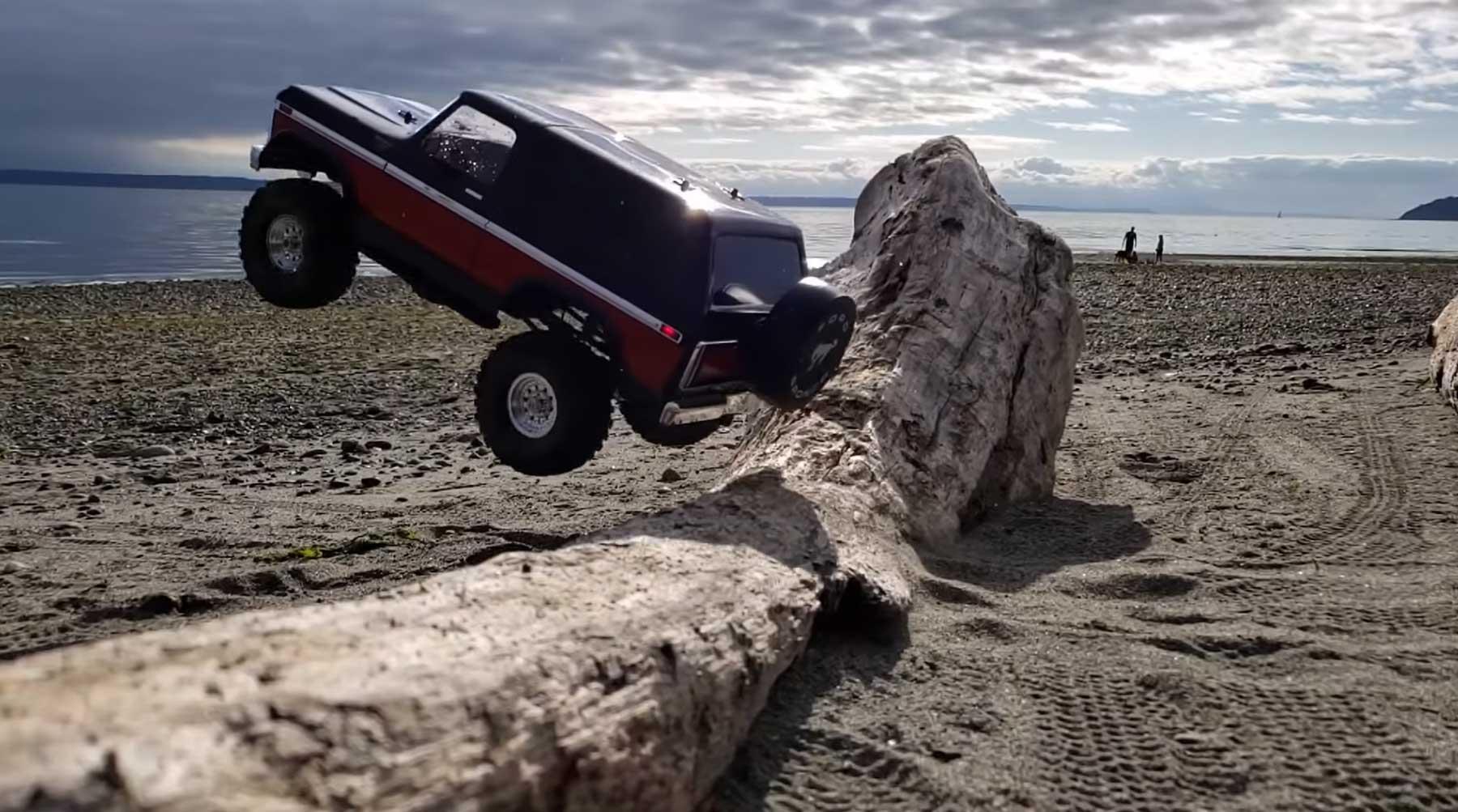 Zeitlupen-Action mit dem RC-Truck am Strand