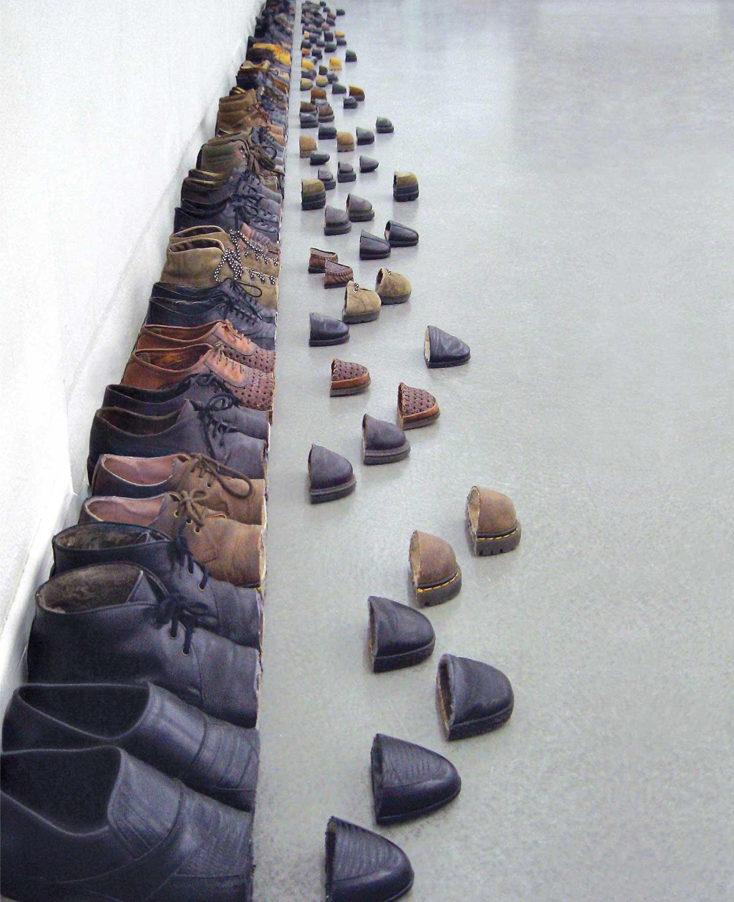 Schuhe mit kunstvollem Schnitt Sakir-Gokcebag-shoes_04