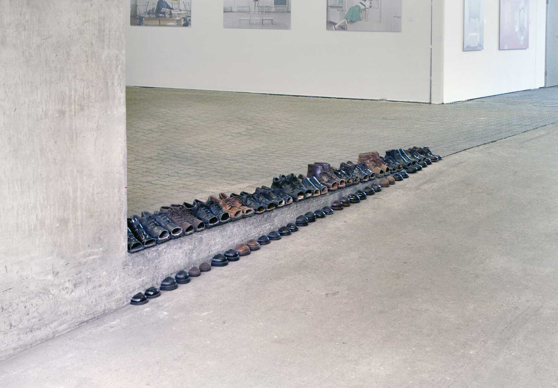 Schuhe mit kunstvollem Schnitt Sakir-Gokcebag-shoes_09