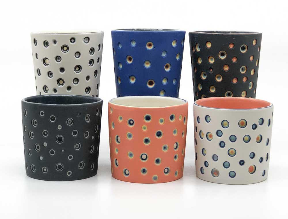 Vielschichtige Vasen-Schnitzer Sean-Forest-Roberts-carved-vases_04