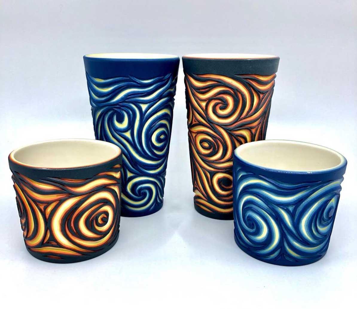 Vielschichtige Vasen-Schnitzer Sean-Forest-Roberts-carved-vases_06