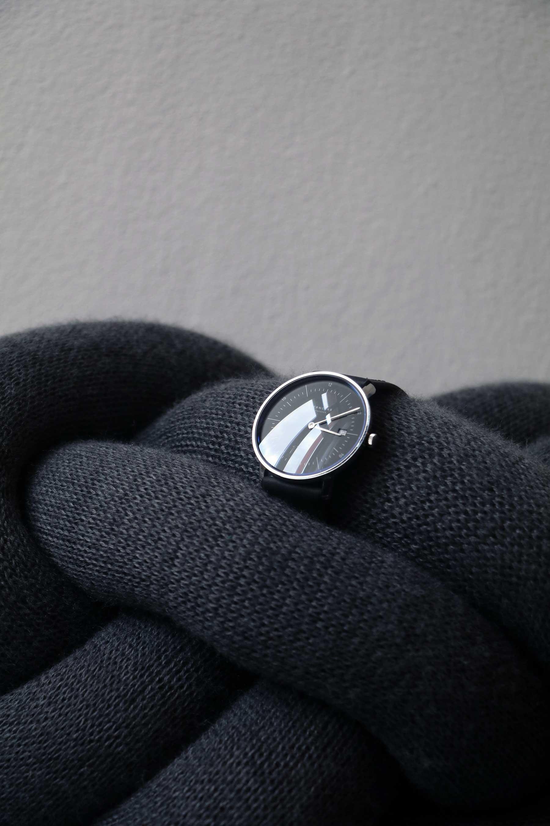 Die neuen Bauhaus-Uhren von STERNGLAS im Test: NAOS Sternglas-NAOS-Uhr-Test_10