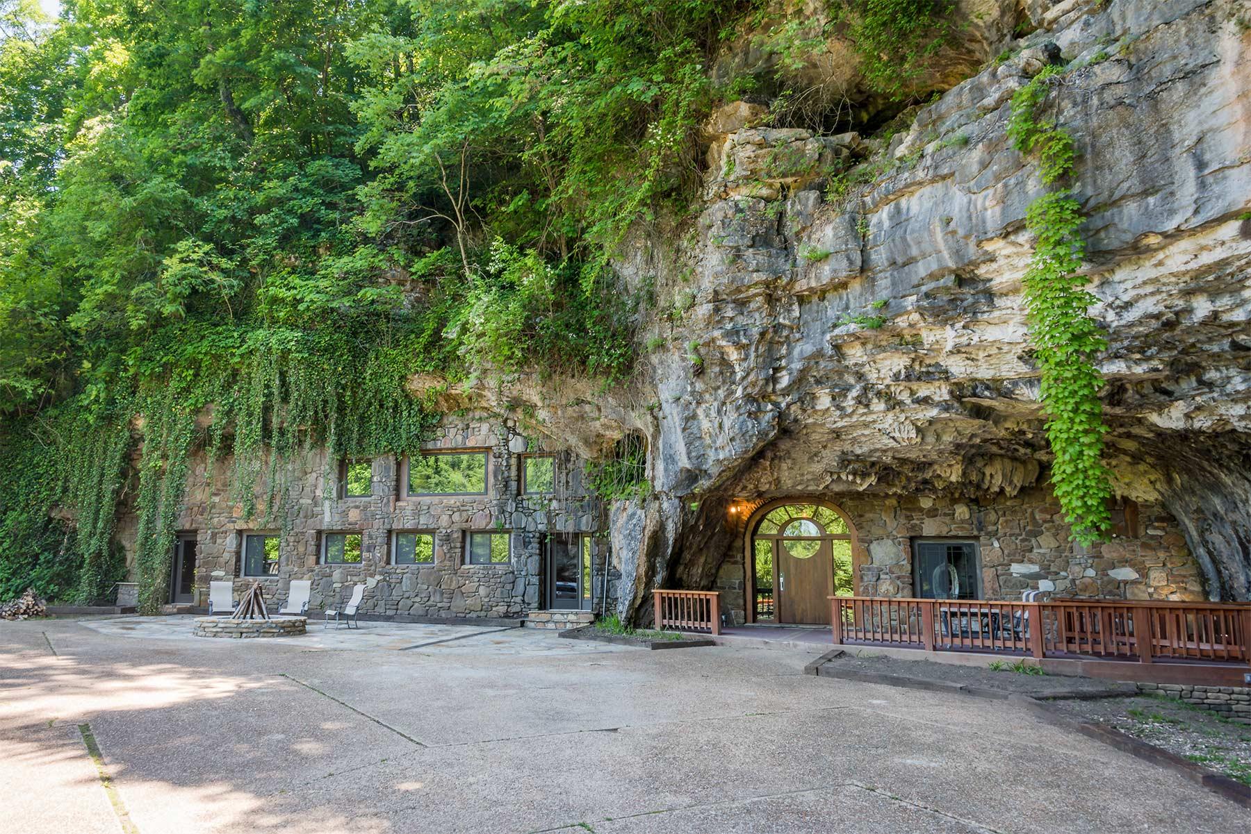 The Beckham Creek Cave Lodge The-Beckham-Creek-Cave-Lodge_01