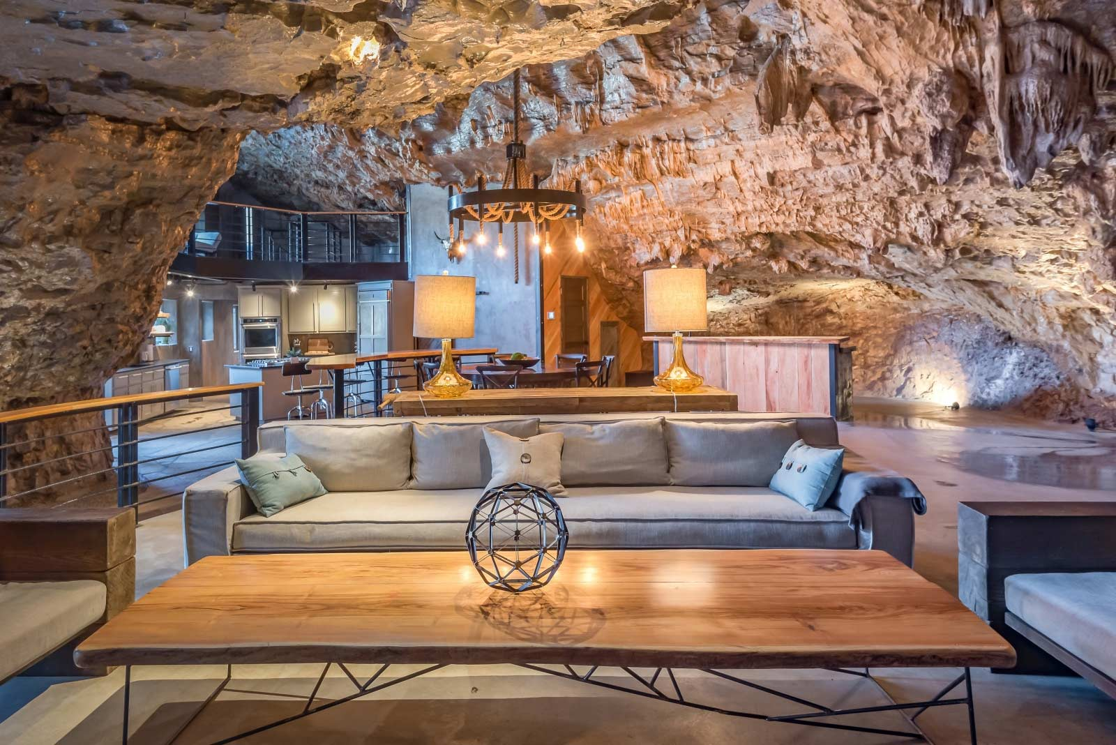 The Beckham Creek Cave Lodge The-Beckham-Creek-Cave-Lodge_02