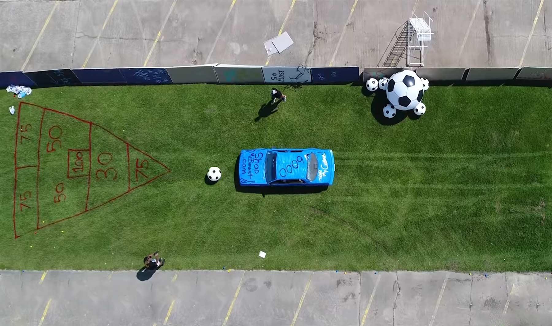 Fußball, Bowling, Schach und mehr mit Autos spielen car-olympics
