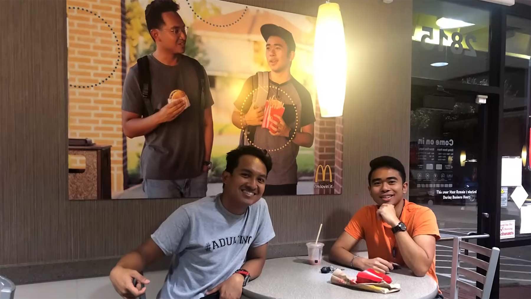 Fake-Poster bei McDonalds aufgehängt und keiner merkt es
