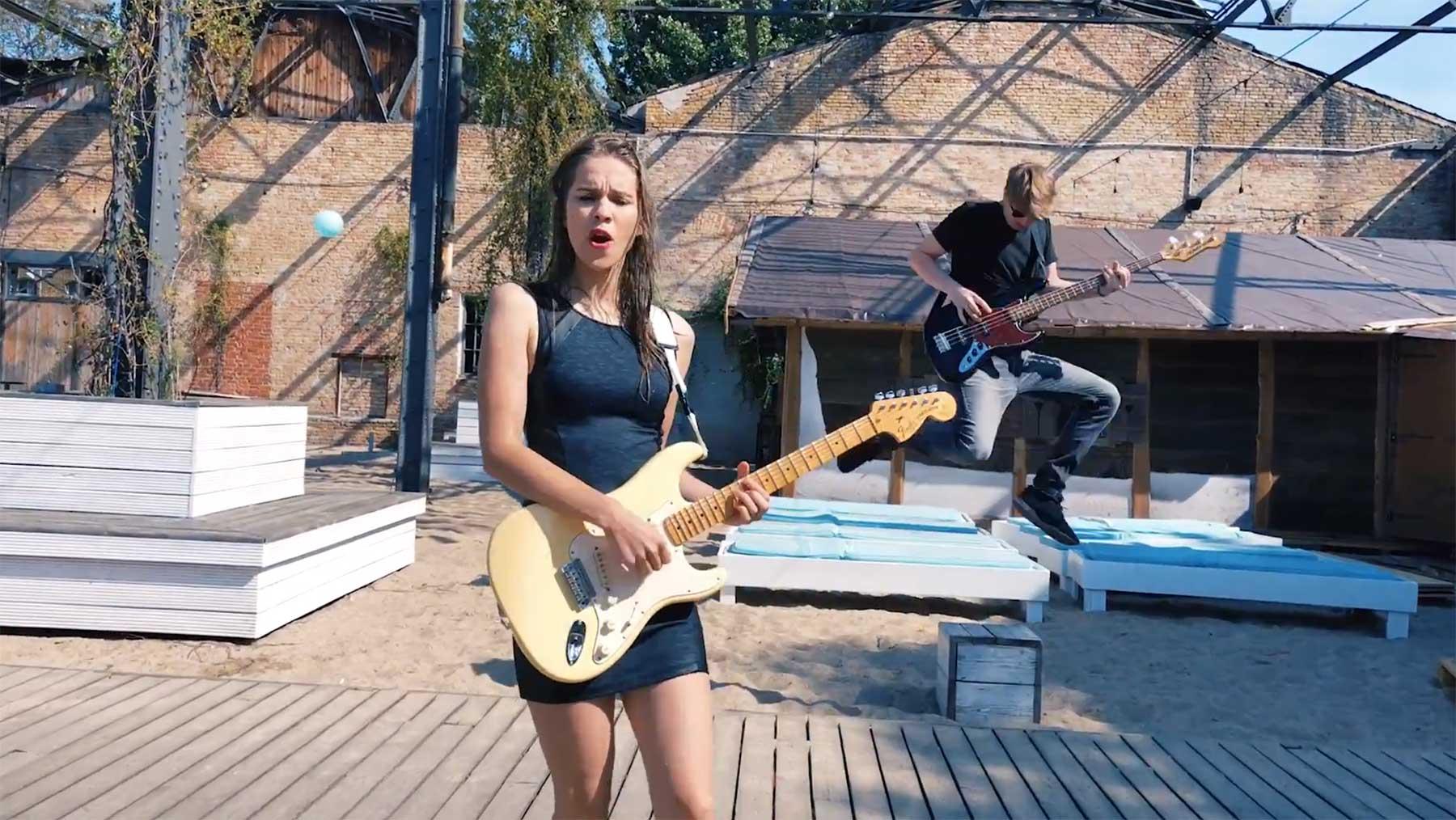 Musikvideo in einem Rückwärts-Take