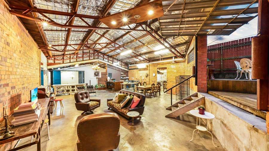 Diese alte Lagerhalle wurde für 1,2 Mio. Dollar verkauft the-coolest-house-in-brisbane_02
