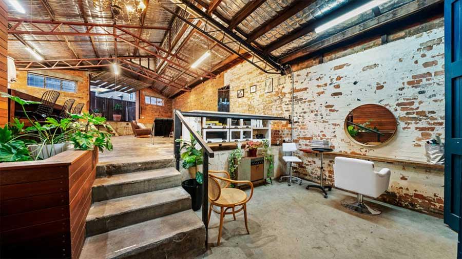 Diese alte Lagerhalle wurde für 1,2 Mio. Dollar verkauft the-coolest-house-in-brisbane_03