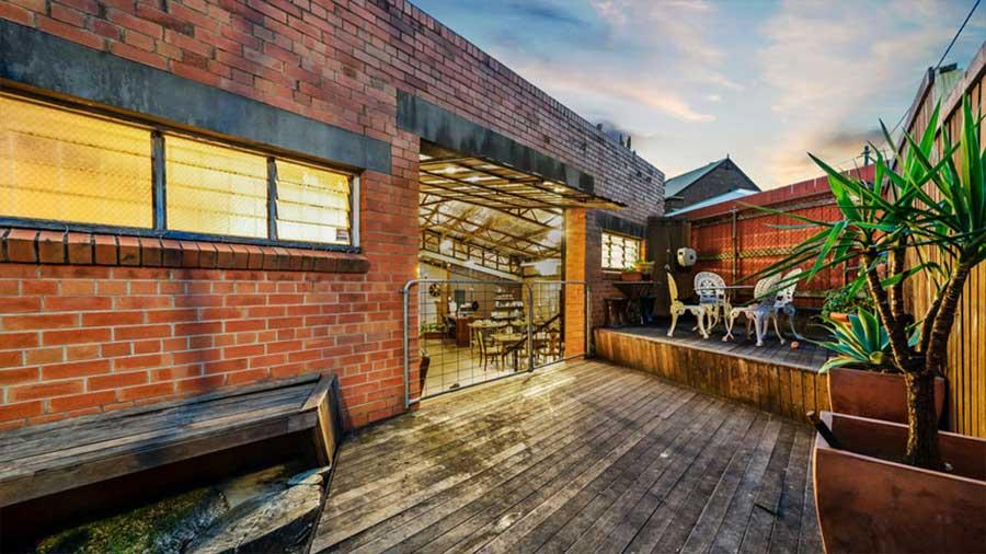 Diese alte Lagerhalle wurde für 1,2 Mio. Dollar verkauft the-coolest-house-in-brisbane_07
