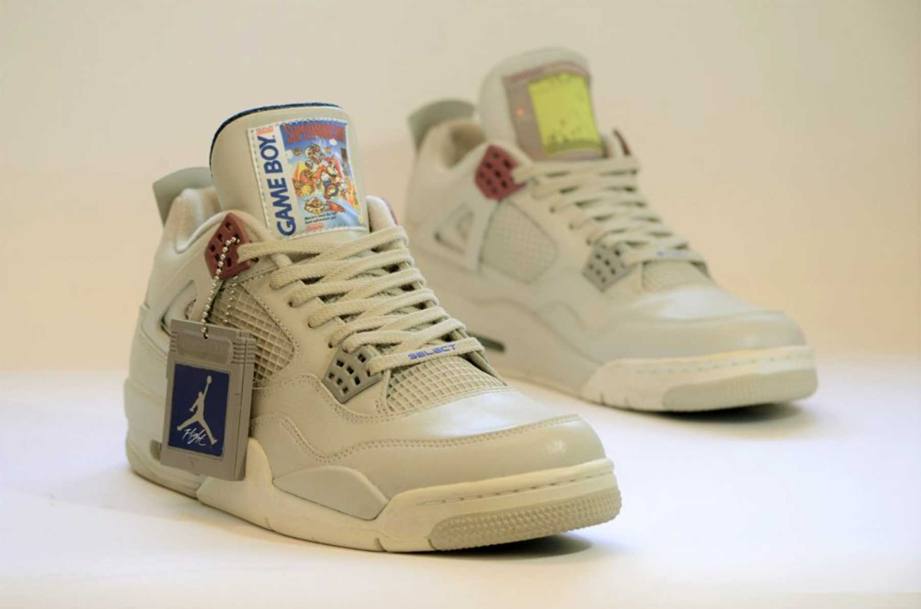 GAME BOY Sneakers GAME-BOY-Sneakers-Air-Jordan-IV-Super-Mario_01