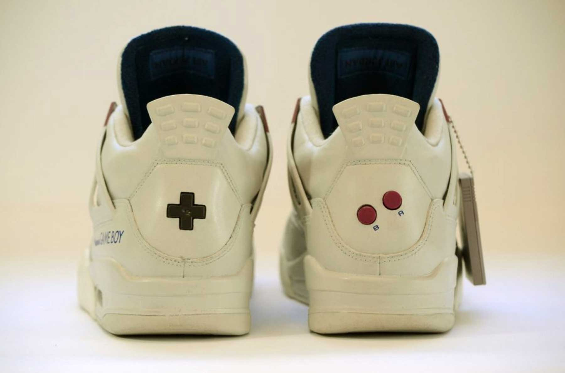 GAME BOY Sneakers GAME-BOY-Sneakers-Air-Jordan-IV-Super-Mario_03