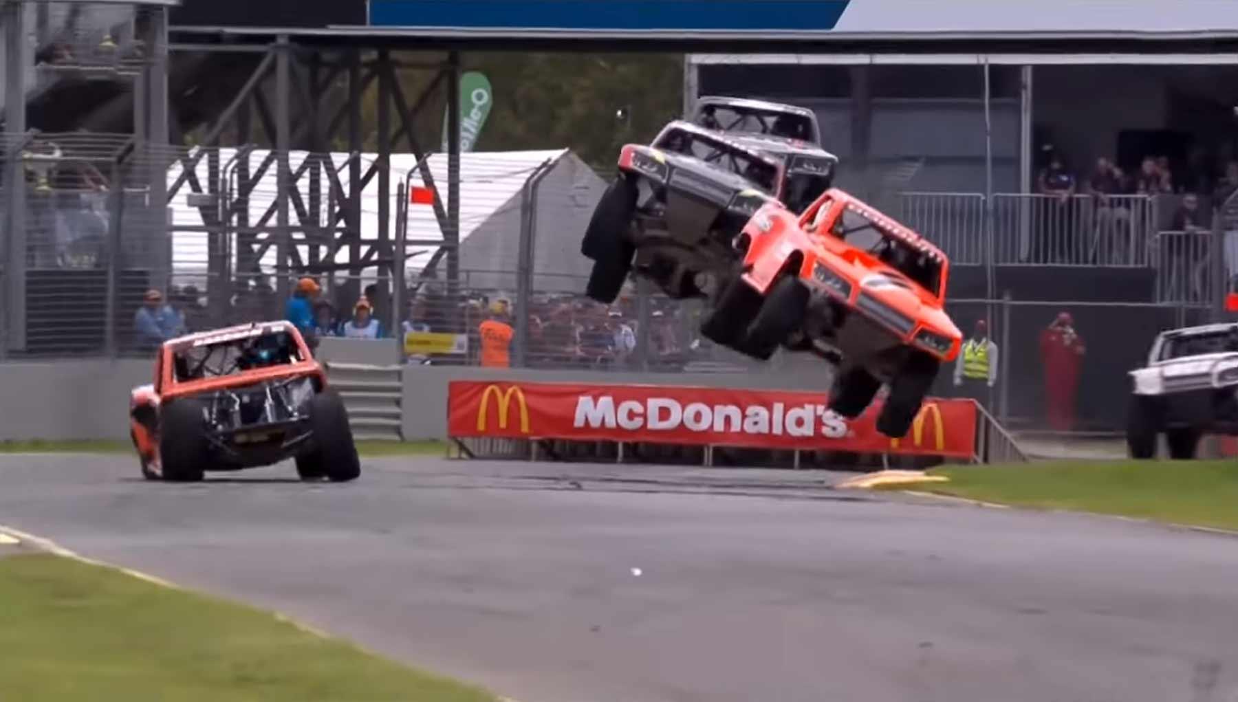 Radikales Rampen-Rennen super-trucks-ramps-race