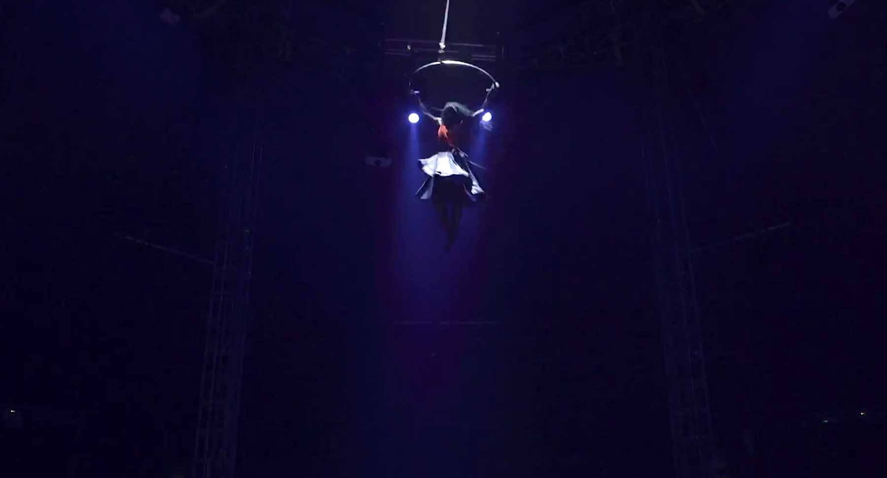 Luftakrobatin Blaze Tarsha im Videoportrait