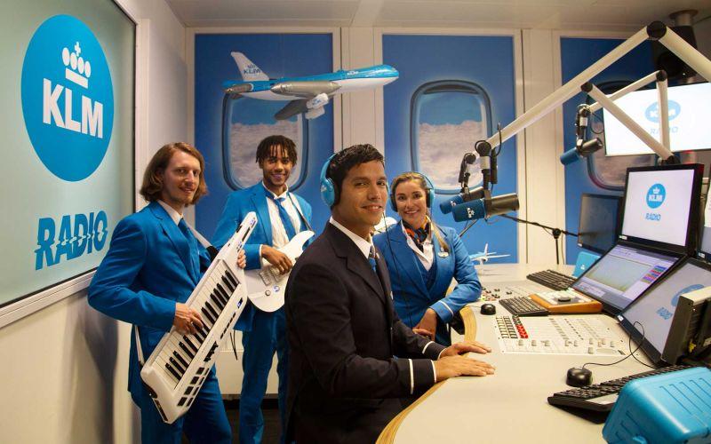 Ist KLM eine Bank, ein Restaurant oder ein Radiosender?
