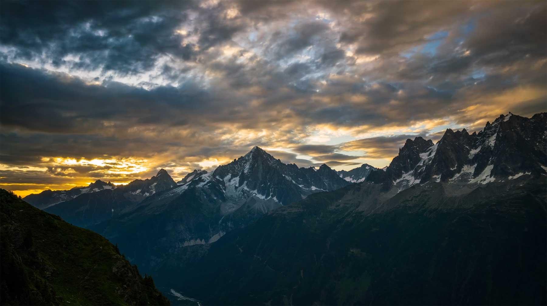 Epische Berglandschafts-Aufnahmen Summits-Enrique-Pacheco