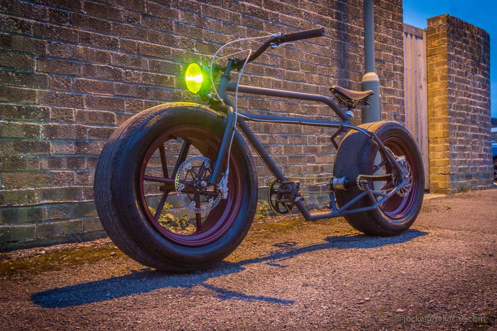 Ein Fahrrad mit Autoreifen fahrrad-mit-autoreifen_02