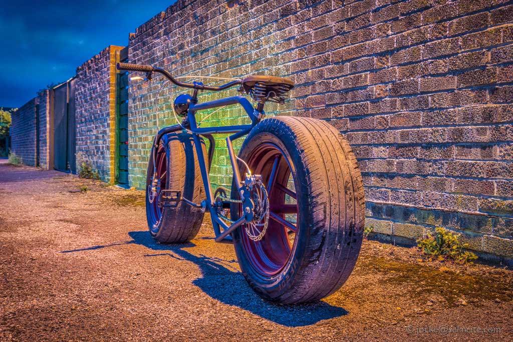 Ein Fahrrad mit Autoreifen fahrrad-mit-autoreifen_03