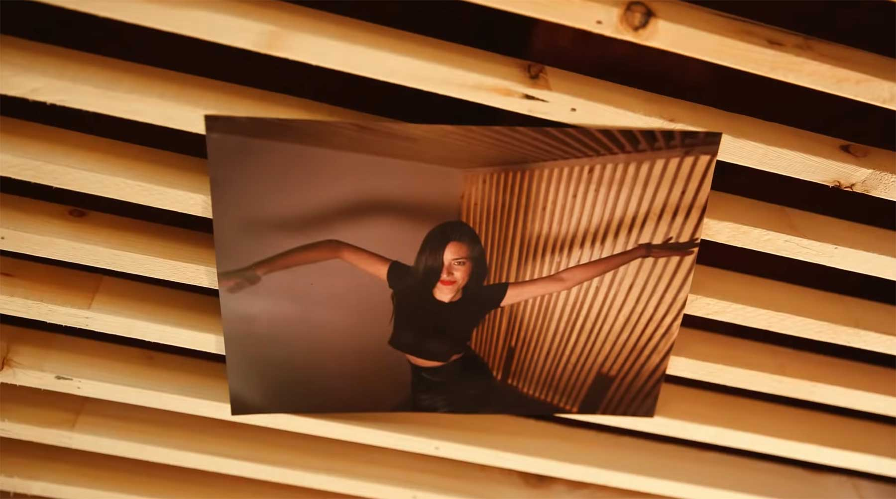 Musikvideo-Stopmotion mit 2.250 Fotodrucken said-the-whale-unamerican-musikvideo