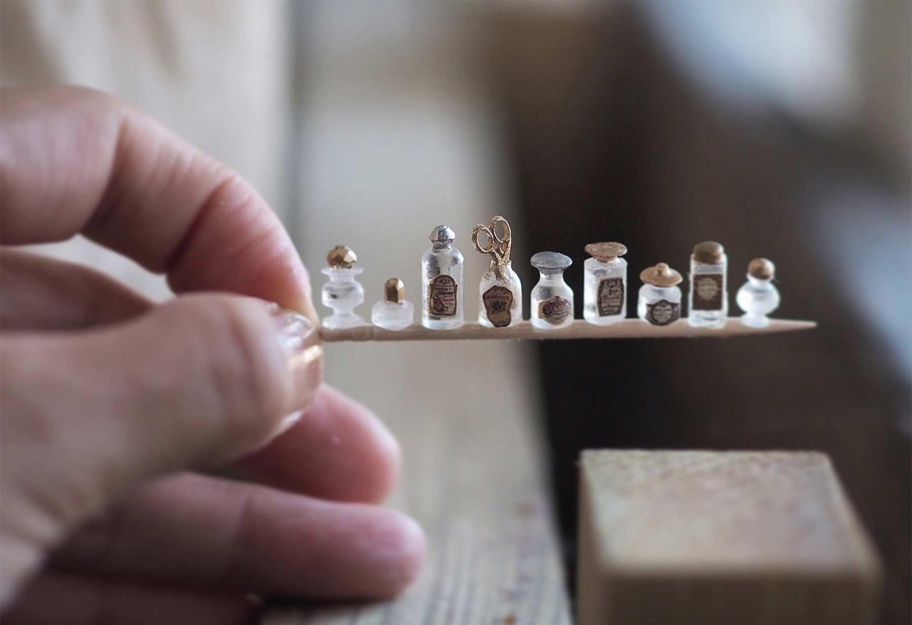 Detailreiche Miniatur-Skulpturen von Kiyomi