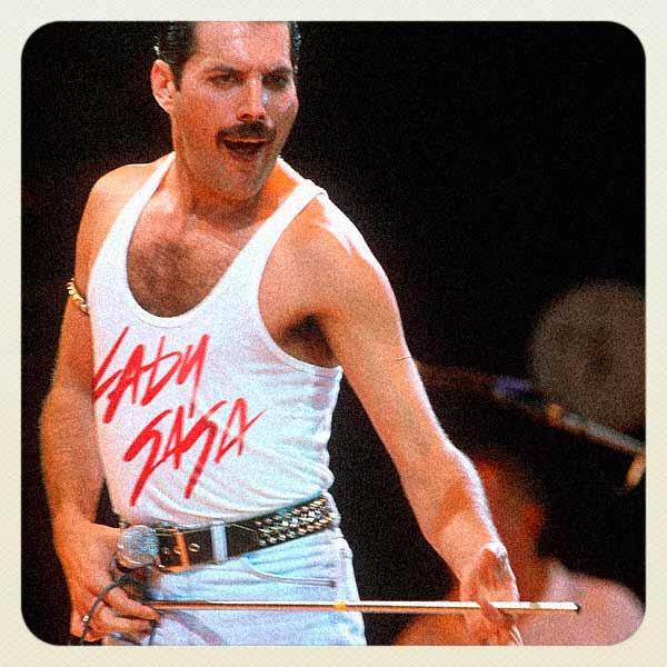 Alte Musik-Ikonen tragen Bandshirts moderner Acts Reversed-Music-Icons-Fandom_01