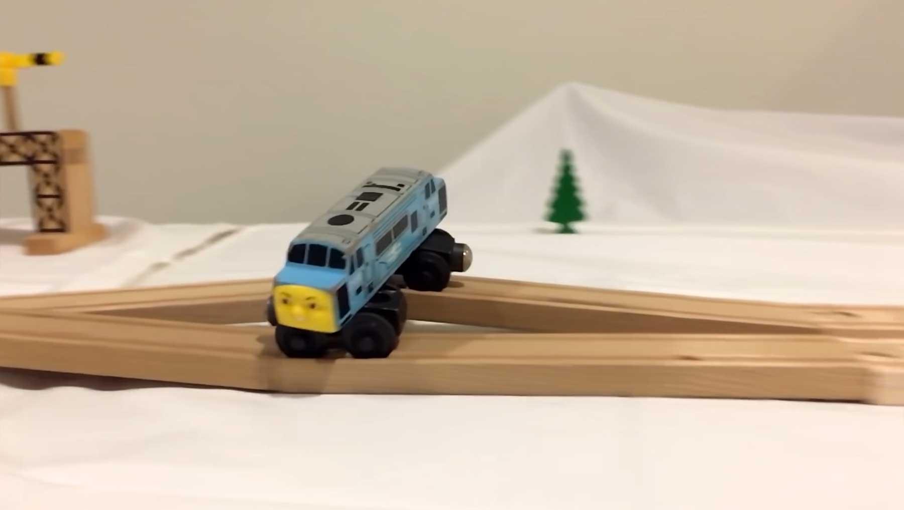 Coole Stunts mit der Holzeisenbahn diesel-train-stunts