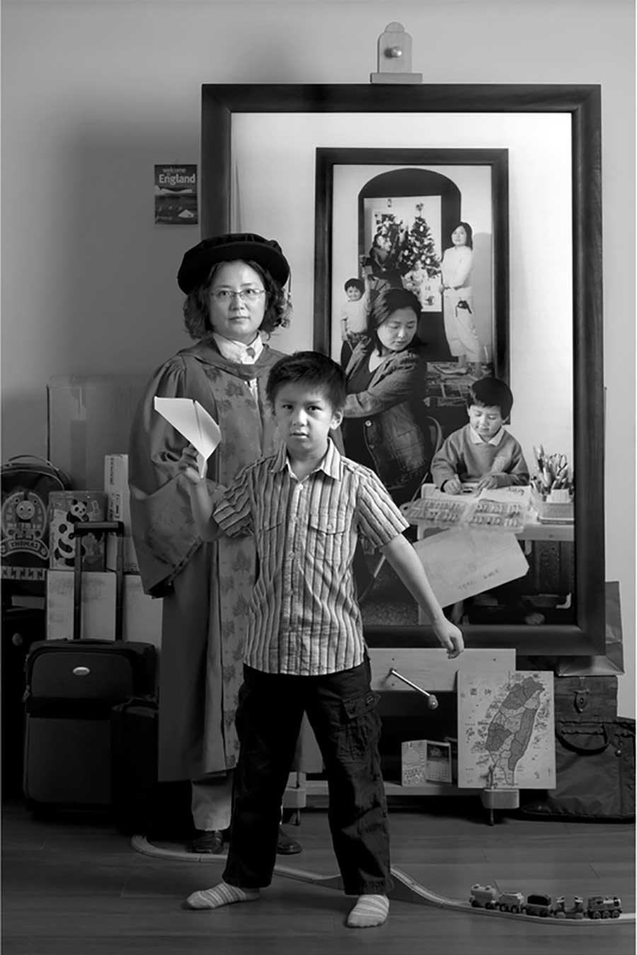 Mutter fügt 17 Jahre Bildebenen hinzu, die Sohn aufwachsen zeigen mutter-17-jahre-foto-in-foto_08