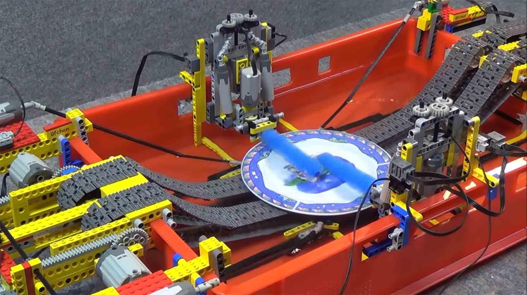 Tellerspülmaschine aus LEGO
