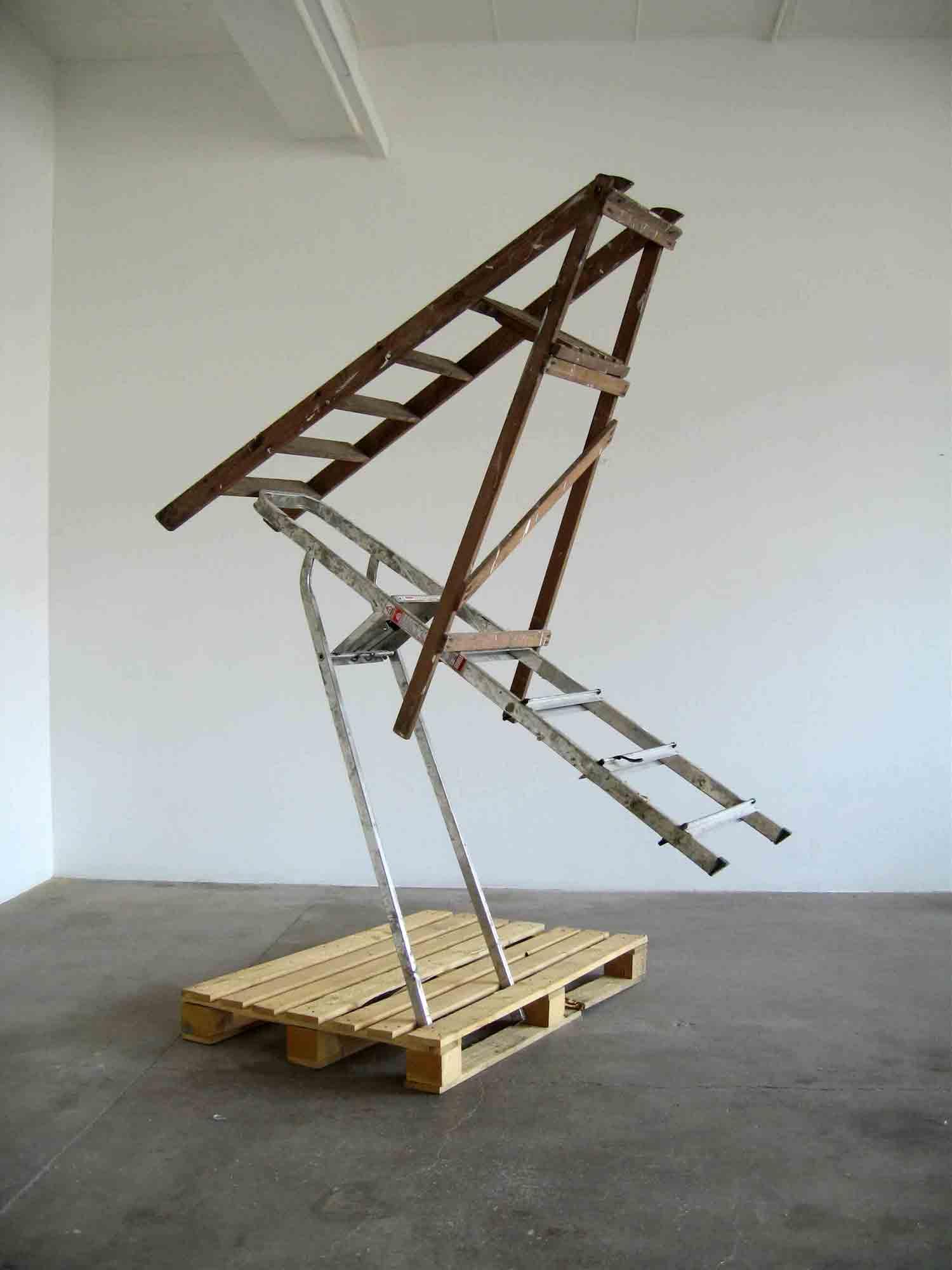 Matt Calderwoods ausbalancierte Kunst-Installationen Matt-Calderwood-found-objects_06