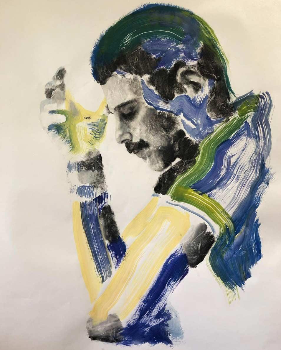 Russell Powell malt seine Hand an und stempelt damit Bilder Russell-Powell-hand-art_05