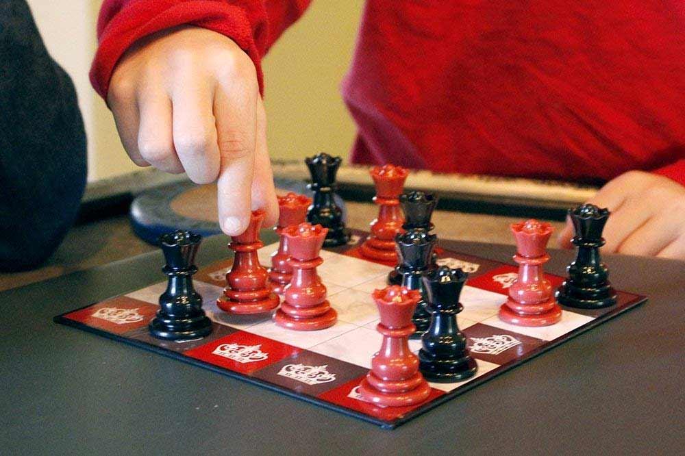 Schach nur mit lauter Damen