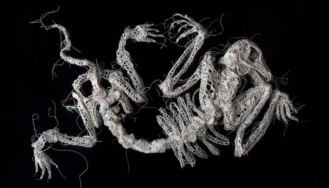 Gehäkelte Skelette von Caitlin McCormack Caitlin-McCormack-gehaekelte-skelette_05