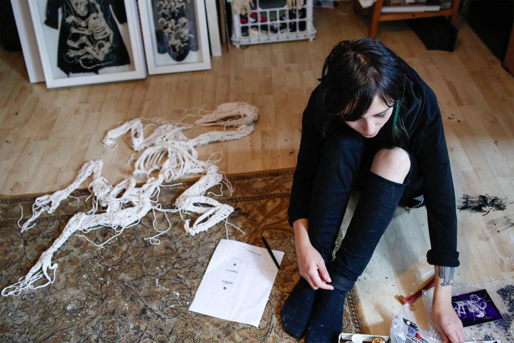 Gehäkelte Skelette von Caitlin McCormack Caitlin-McCormack-gehaekelte-skelette_10