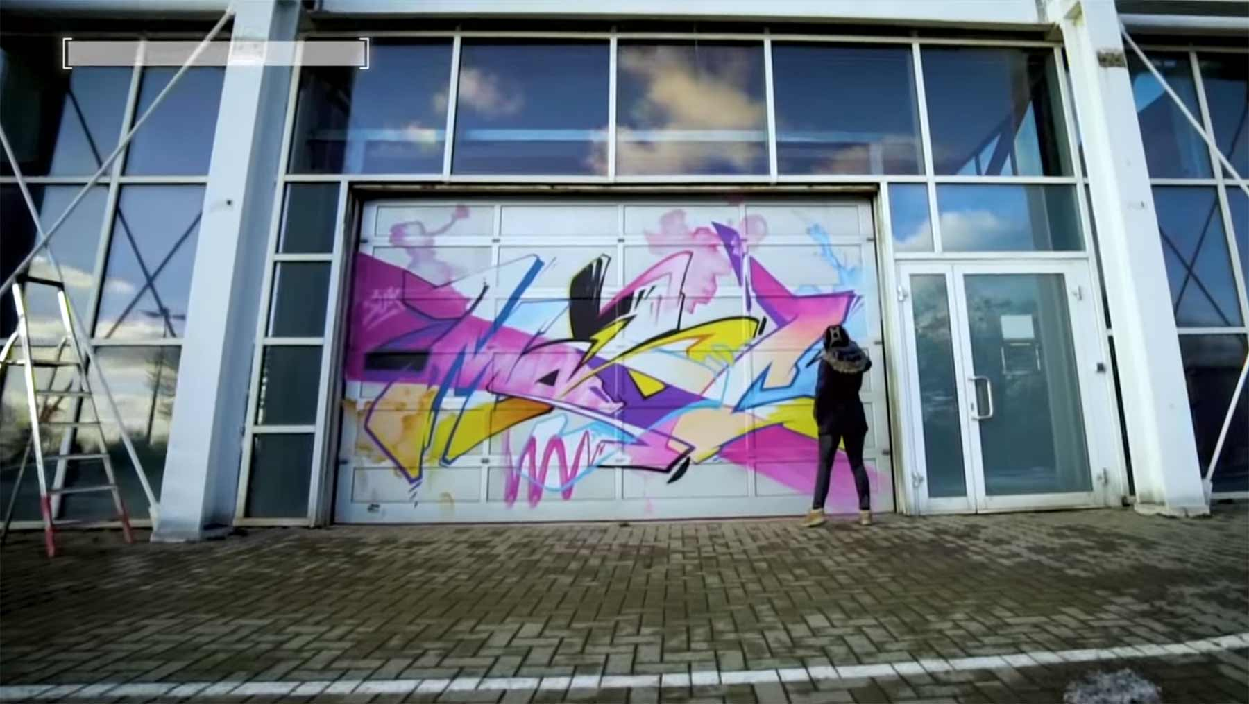 MADC hat im Dresdner Flughafen 1.100 Farbdosen in 2 Tagen versprüht