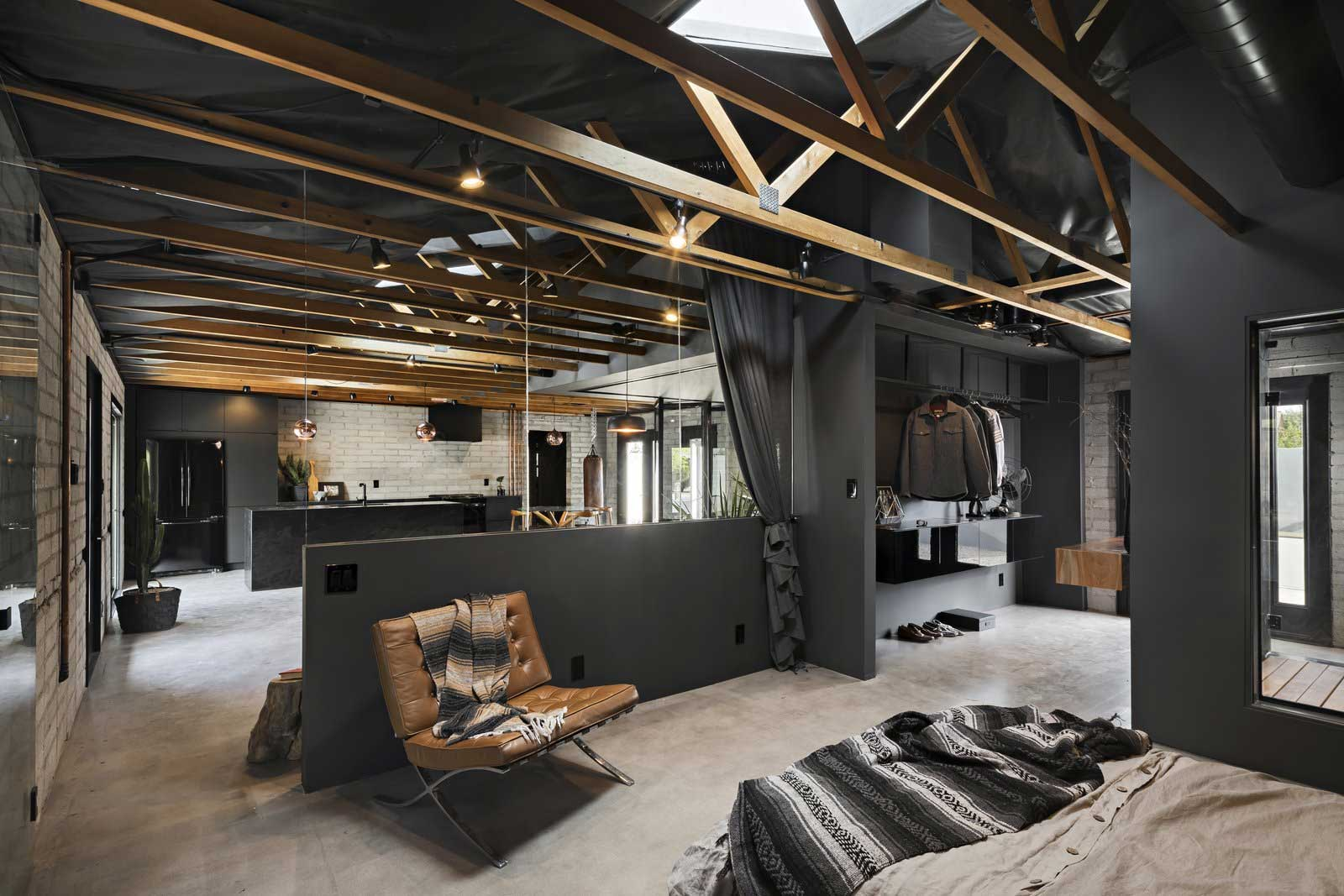 Traum-Loft: The Black House The-Black-House-Airbnb_05