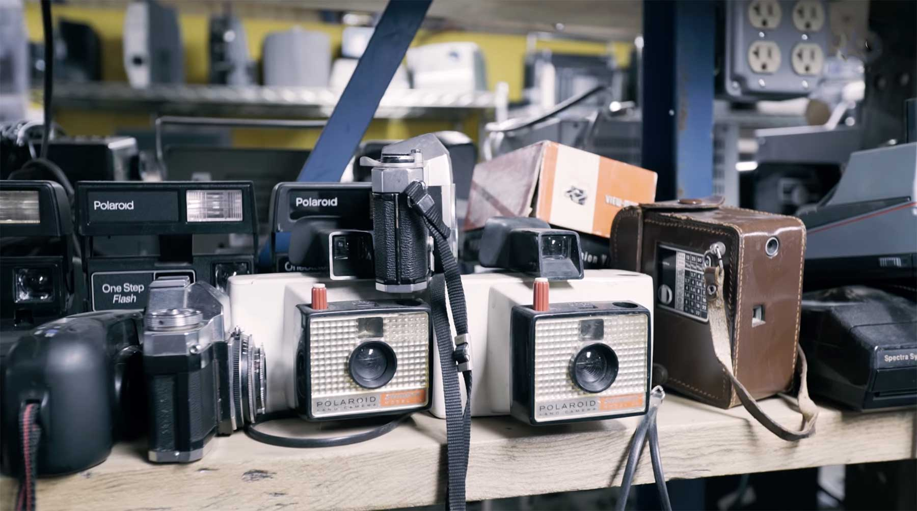 Hier beschaffen Filmemacher ihre Retro-Technik-Requisiten Where-Movies-Get-Their-Vintage-Electronics