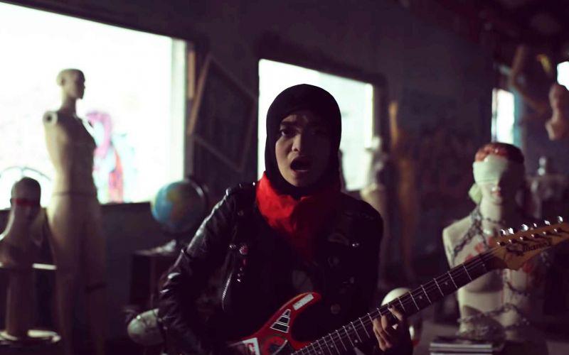 Voice of Baceprot ist eine Band junger muslimischer Frauen, die richtig abrockt
